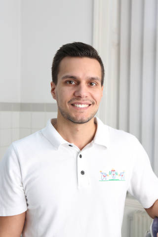 Dr. Arian Honarwasch
